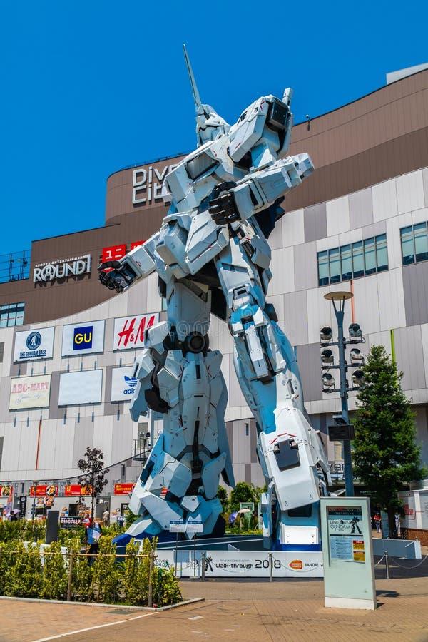 ТОКИО ЯПОНИЯ - 1-ОЕ АВГУСТА 2018: Красивая гигантская модель Gundam единорога стоковые фотографии rf