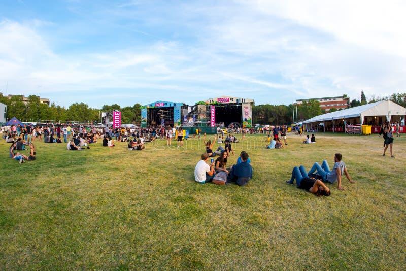 Толпа в концерте на музыкальном фестивале Dcode стоковая фотография rf