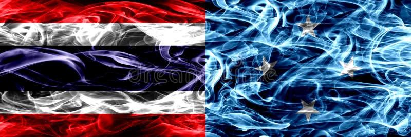 Толстым покрашенные конспектом шелковистые флаги дыма стоковое изображение rf