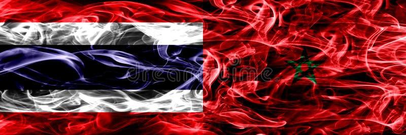Толстым покрашенные конспектом шелковистые флаги дыма стоковое фото rf