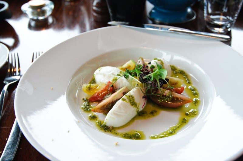 томат закуски сыра базилика стоковые фото