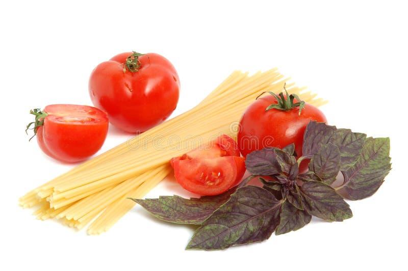 томат макарон базилика стоковое фото rf