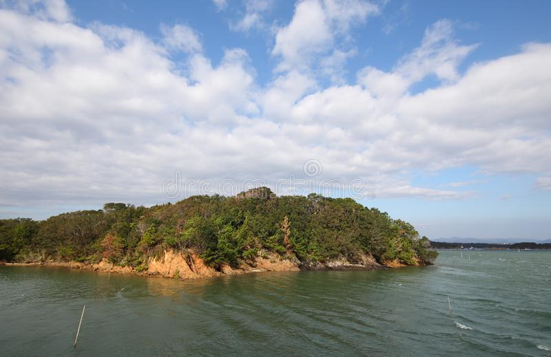 Тому назад ландшафт Shima Япония острова залива стоковые фото