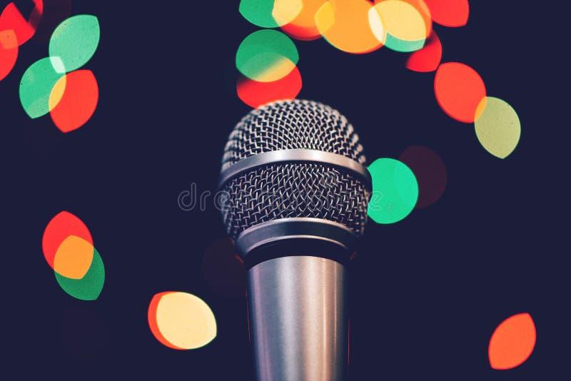 Тональнозвуковой микрофон на этапе стоковые изображения