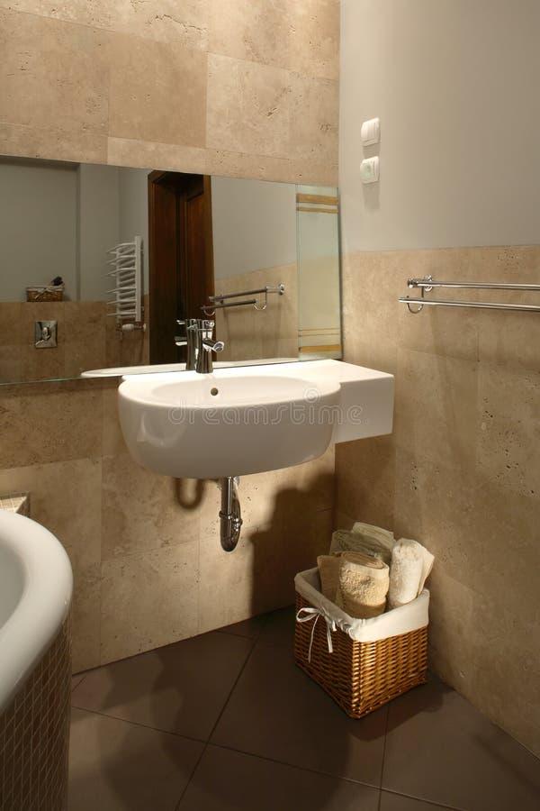 тонизированная нейтраль ванной комнаты стоковые изображения