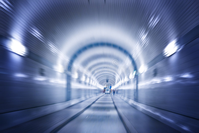 тоннель elbe hamburg вниз стоковые изображения