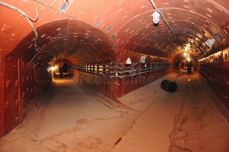 Тоннели в бункере секрета подземном стоковое изображение rf