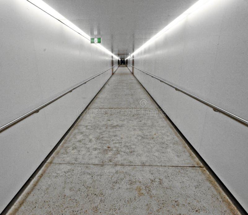 Белый тоннель   стоковые изображения