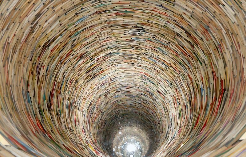 Тоннель книги в библиотеке Праги стоковые фото