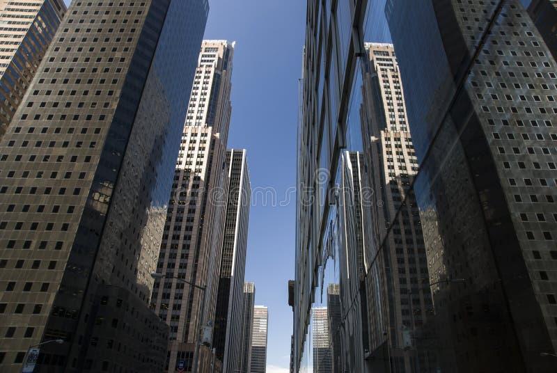 Тоннель небоскреба Нью-Йорка стоковое фото rf