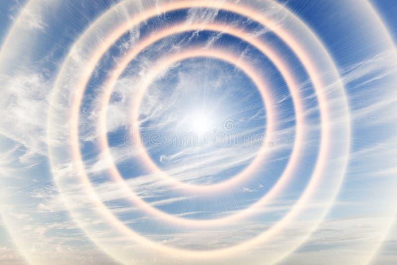 Тоннель света к раю, солнца стоковая фотография rf