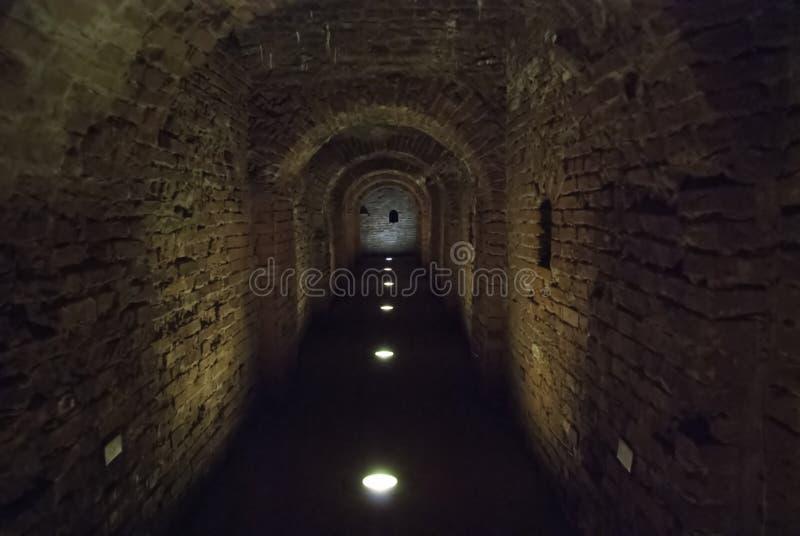 Тоннель старой крепости стоковое фото