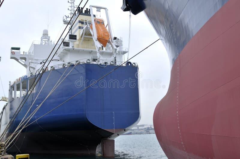топливозаправщик корабля сырой нефти несущей стоковое изображение rf