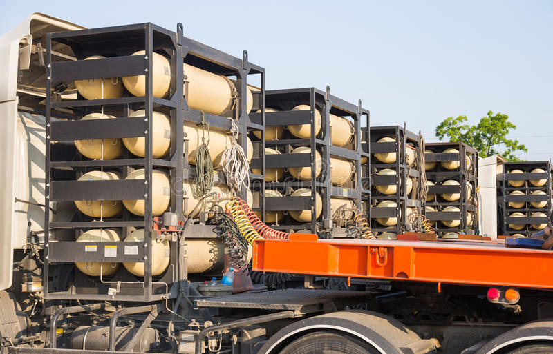 Топливо контейнеров газа CNG/NGV для тяжелого грузовика стоковые изображения
