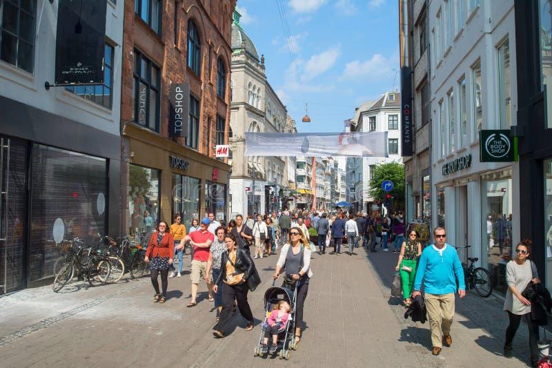 Торговая улица Копенгаген Stroget людей стоковая фотография