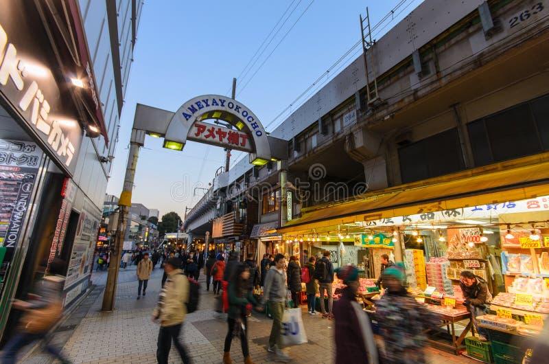 Торговая улица Ameyoko в токио стоковое фото