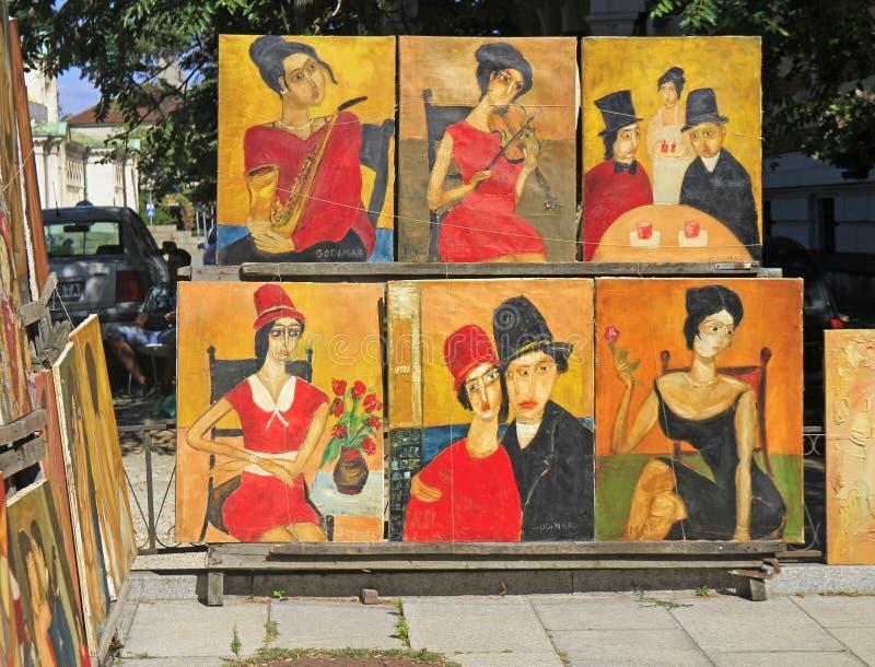 Торговля улицы картин на блошинном в Софии, Болгарии стоковая фотография rf