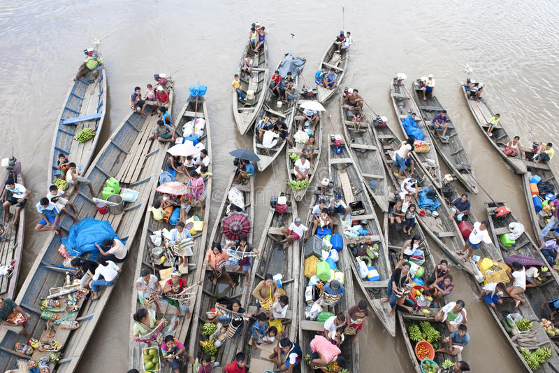 Торговцы на Амазонке стоковое фото rf