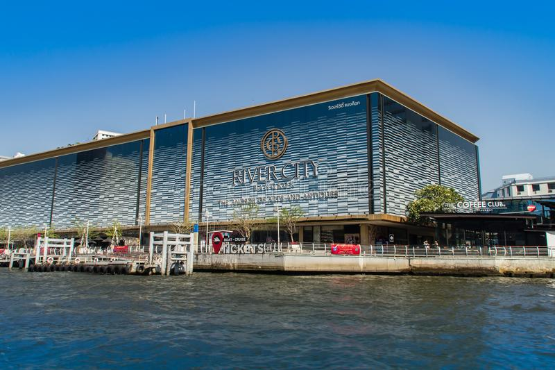 Торговый центр Бангкока города реки, анкер искусств & антиквариаты строя, торговый центр в Бангкоке, Таиланде Locat стоковое фото