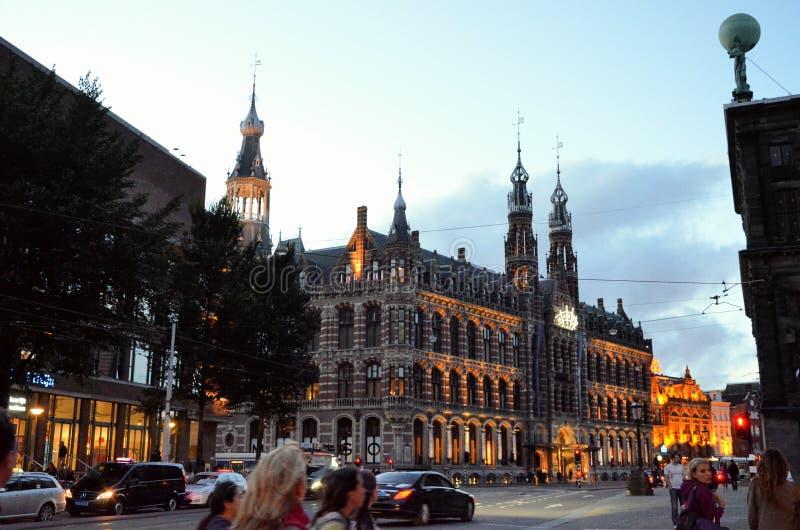 Торговый центр в Амстердаме на ноче стоковые фото
