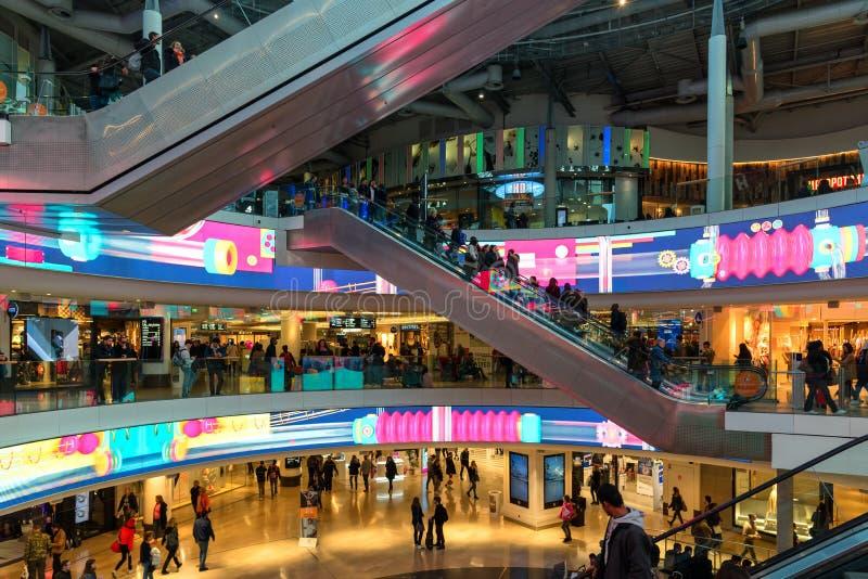 Торговый центр в районе военного бизнеса Ла, Париже Франции стоковые изображения rf