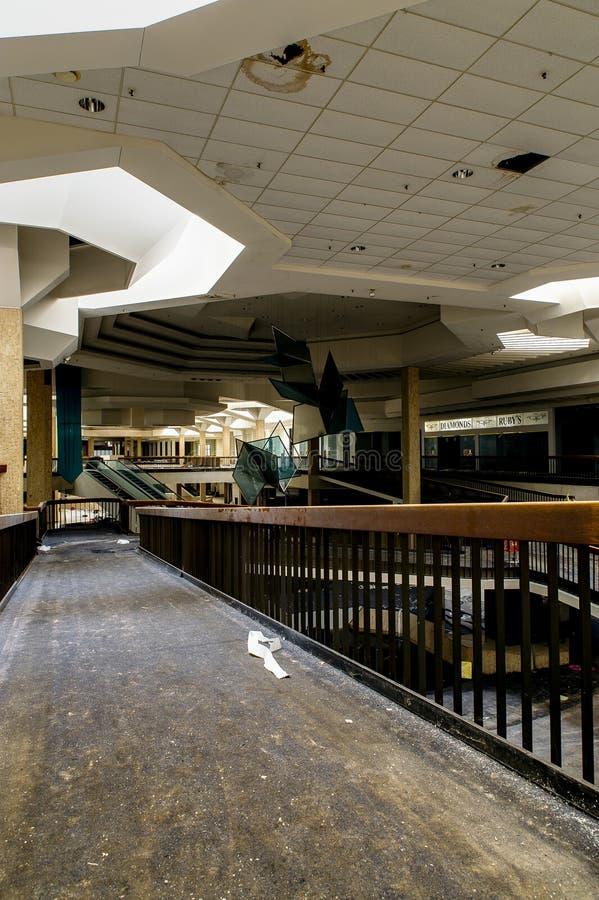 Торговый центр - покинутый мол парка Рэнделла - Кливленд, Огайо стоковая фотография