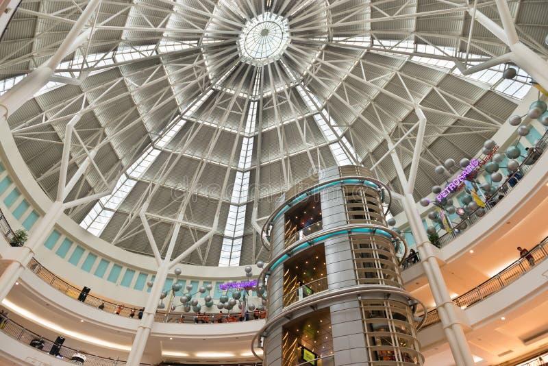 Торговый центр Suria KLCC в Куалае-Лумпур стоковое изображение