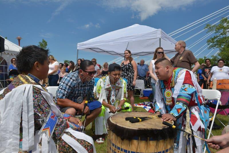Торжество в реальном маштабе времени аборигенного дня в Виннипеге стоковые фото