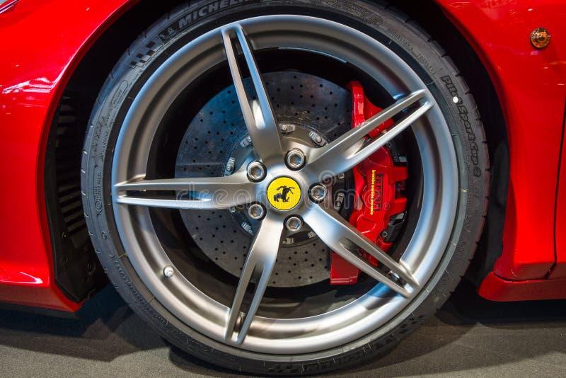 Тормозная система автомобиля спорт Феррари 458 Италии, 2014 стоковое изображение