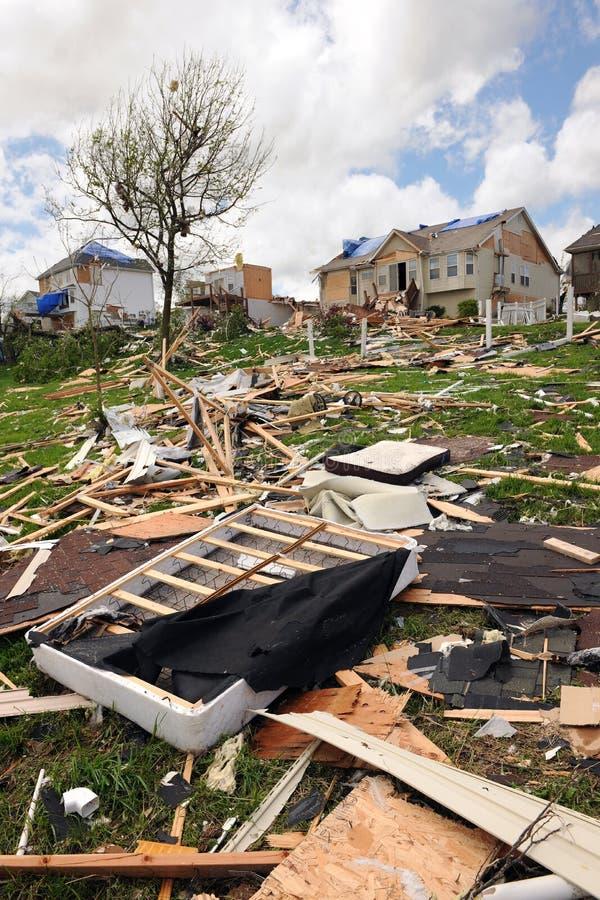 торнадоы святой louis удара разрушения стоковое фото