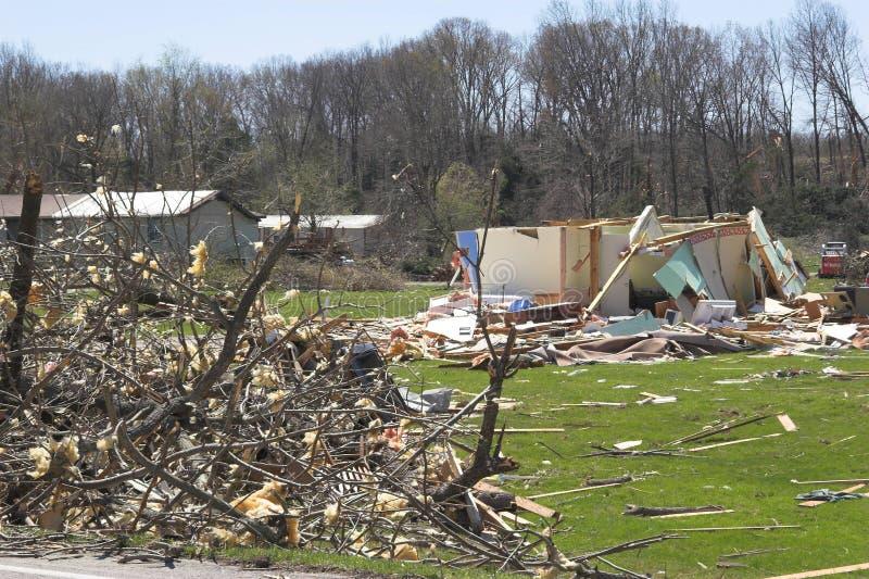 Download торнадо повреждения 1m стоковое фото. изображение насчитывающей повреждено - 650434