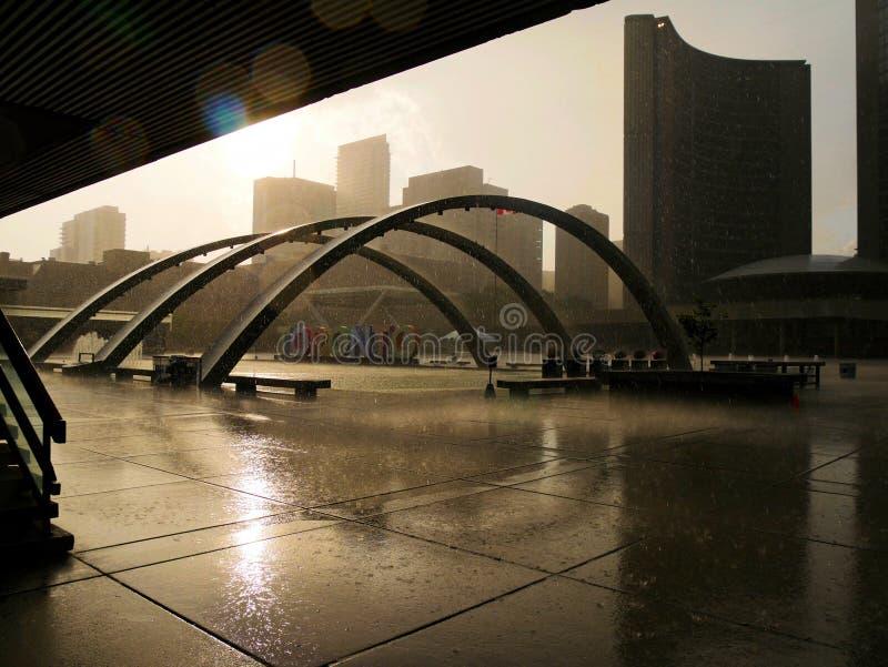 Торонто под дождем стоковые фотографии rf