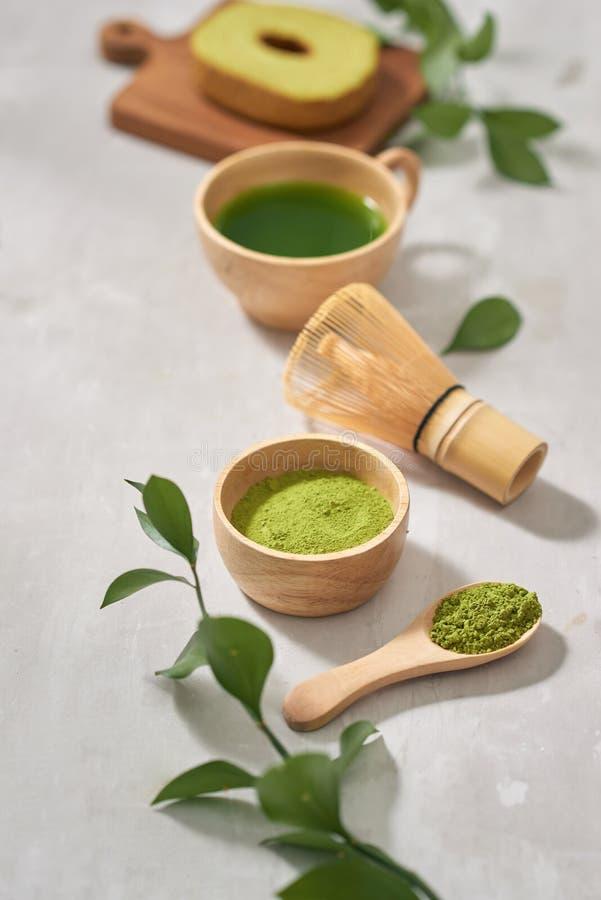 Торты крена Baumkuchen зеленого matcha японские с matcha, выборочным фокусом стоковые фотографии rf