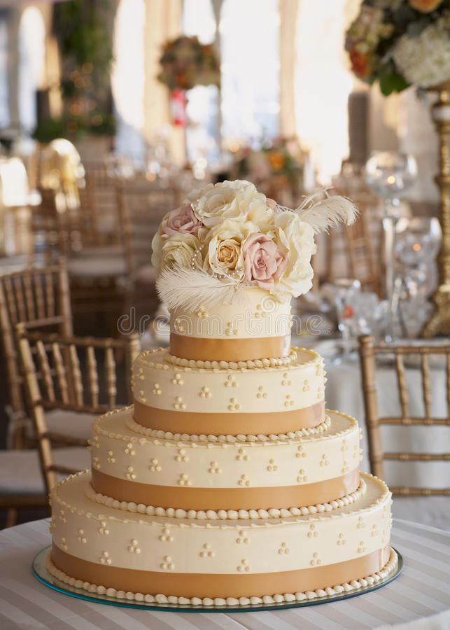 Торт венчания стоковое изображение
