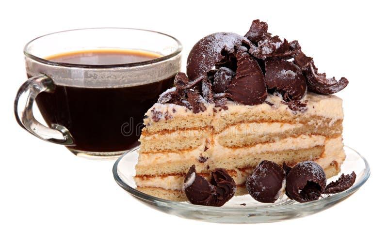 Download Торт изолированный на белой предпосылке Торт с шоколадом, плодоовощ и сливк Стоковое Изображение - изображение насчитывающей съешьте, плодоовощ: 40587721