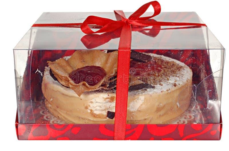 Download Торт изолированный на белой предпосылке Торт с шоколадом, плодоовощ и сливк Стоковое Фото - изображение насчитывающей свеже, отпразднуйте: 40587732