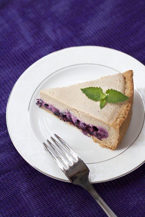 Download Торт кофе с голубиками стоковое изображение. изображение насчитывающей сливк - 41661023