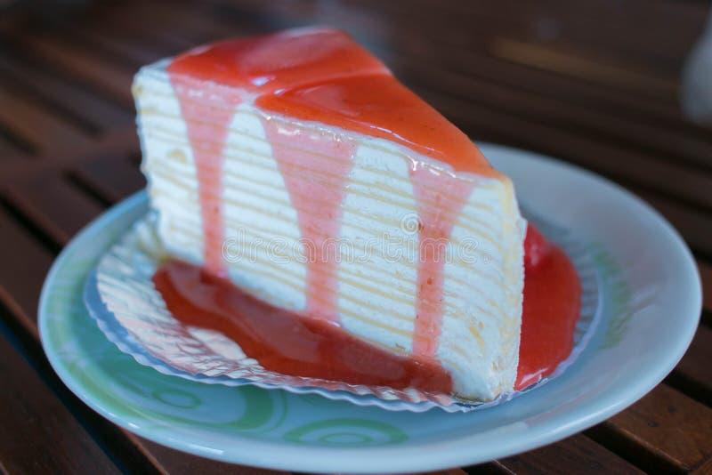 Торт клубники Crepe стоковое фото