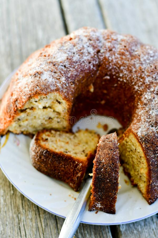 Торт лимона Bundt стоковое фото