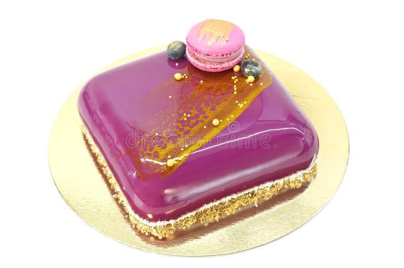 Торт мусса изолированный над белизной стоковые фото