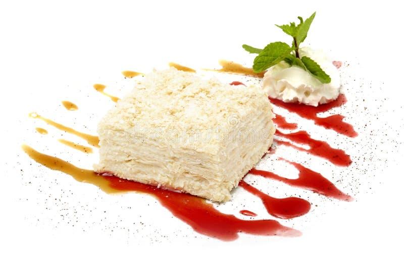 Торт на белой предпосылке стоковое фото