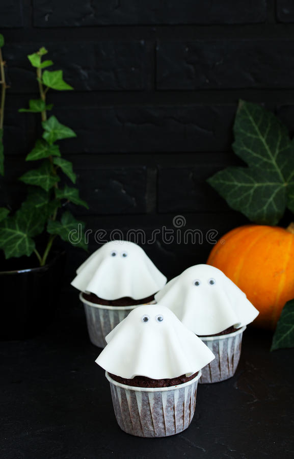 Торт на хеллоуин стоковые изображения