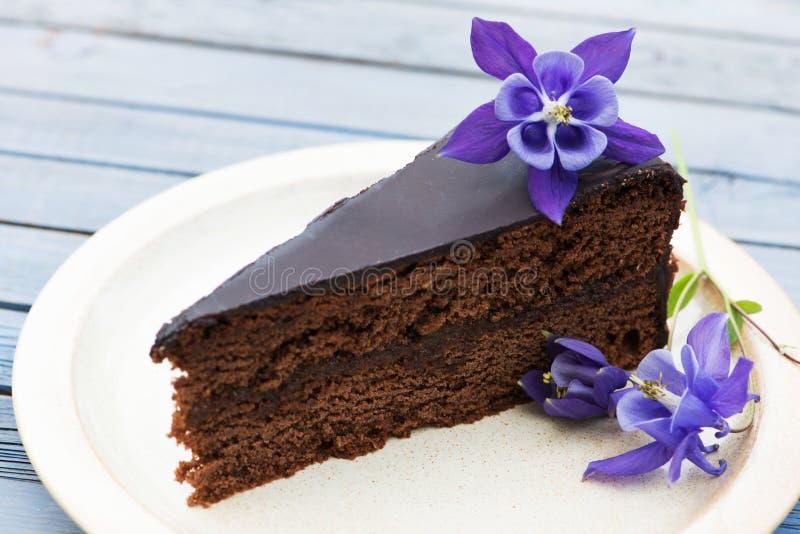 Download Торт шоколада стоковое изображение. изображение насчитывающей десерт - 41662399