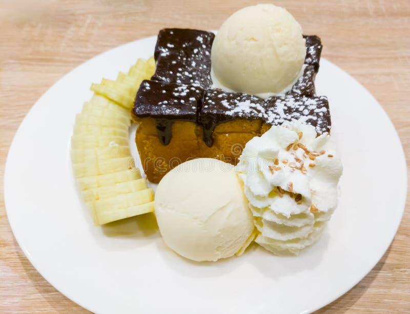 Тост меда и ванильное мороженое стоковые изображения rf