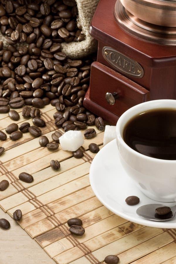 точильщик кофейной чашки стоковое фото