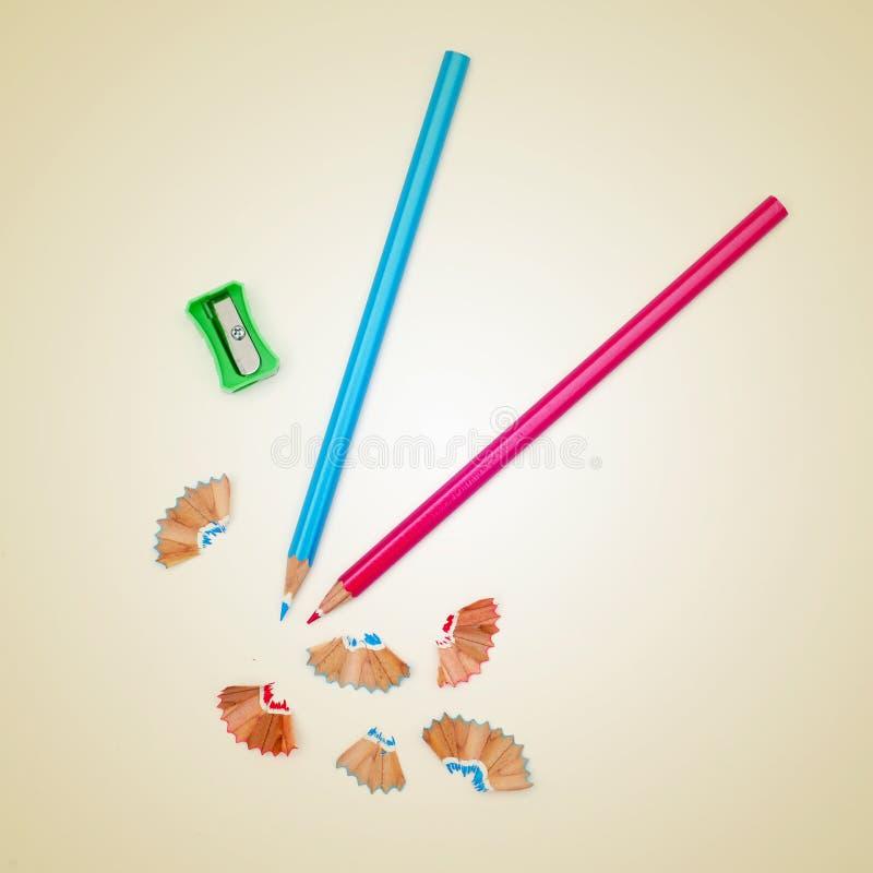 Точить покрашенные карандаши стоковое изображение