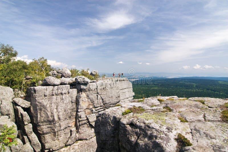 точка зрения лета ландшафта каменистая стоковое изображение