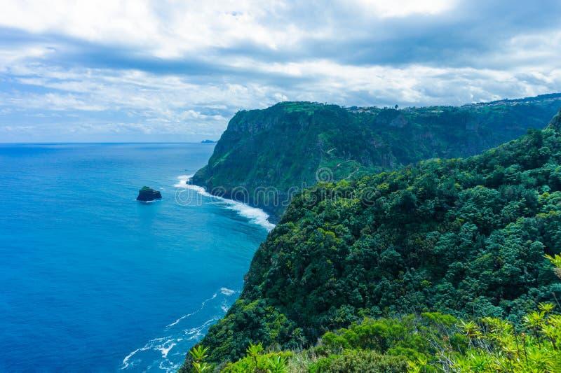 Точка зрения над северным побережьем Мадейры стоковое фото