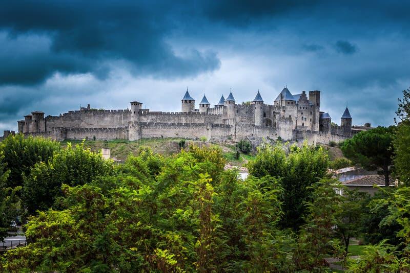 Точка зрения Cite de Каркассон, замок и историческая крепость Франция стоковые изображения rf