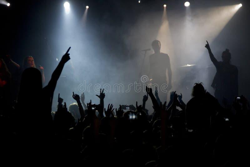 Толпа концерта стоковые изображения